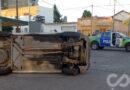 En pleno centro: choque y vuelco dejó un conductor herido